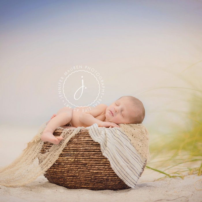 FREE Canvas with Newborn Signature Session booking!