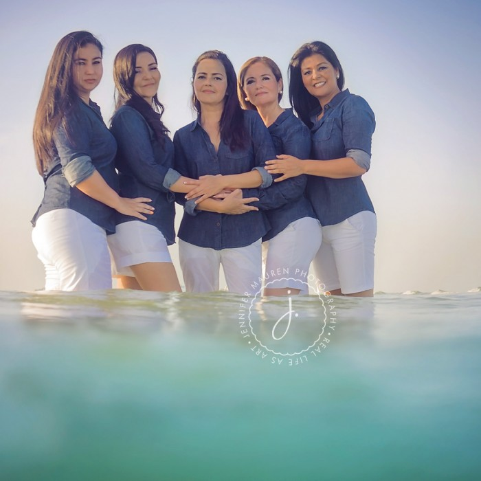 all in the family | sneak peek at a Sarasota Beach session