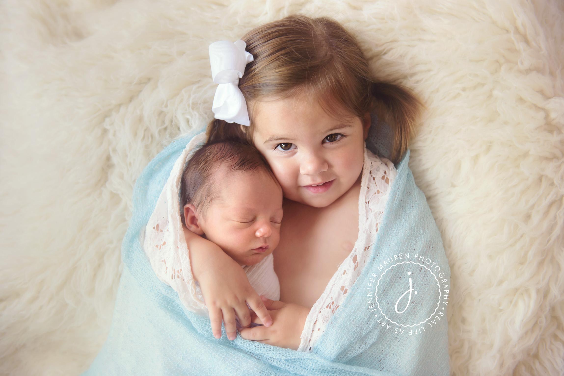 newborn baby and sibling photo